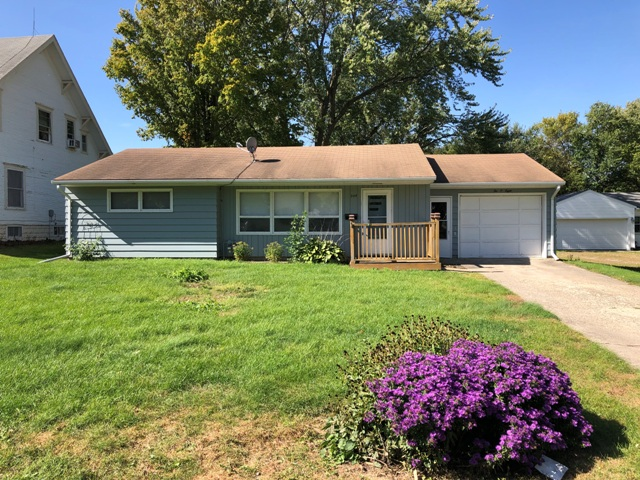 208 S Locust St, Marcus, Iowa 51035, 3 Bedrooms Bedrooms, ,Residential,For Sale,S Locust,1069